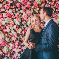 Цветочная стена в аренду-для дам и господ